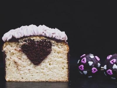 Veganer Herzkuchen mit Vanille und Schokolade