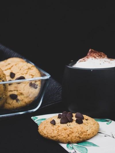 Vegane Chocolate Chip Cookies mit Zartbitterschokolade